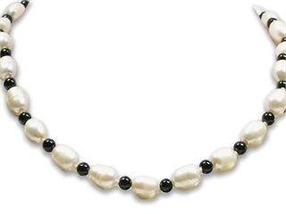 17 Inch Genuine Onyx and Baroque Pearls Necklace